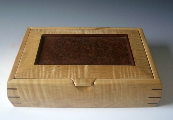 Timber workshops hampshire exotic wooden boxes for Handmade wooden jewelry box